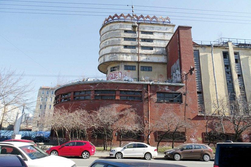 Силовая подстанция фабрики «Красное знамя» на Пионерской улице. 2016г.