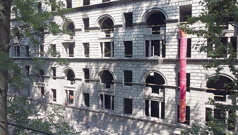 Реконструкция бывшего шестиэтажного общежития на Зеленогорской улице
